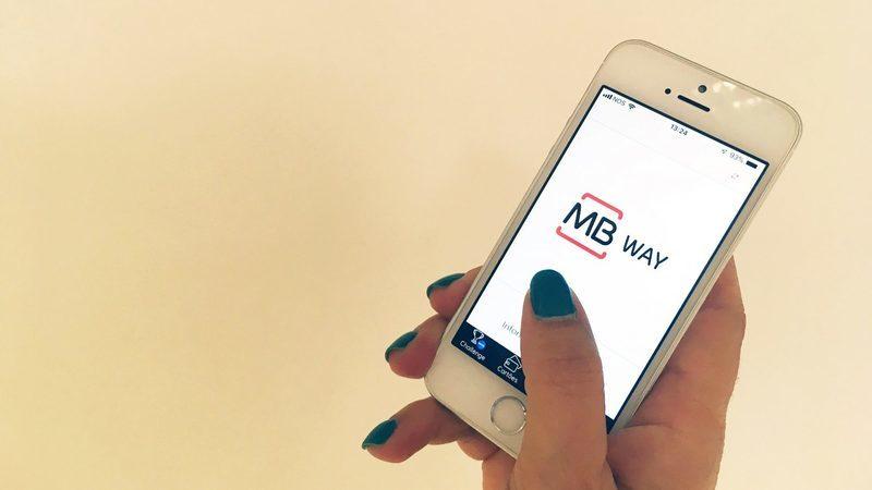 MB Way vai alargar transferências. Podem ir até aos 15 mil euros