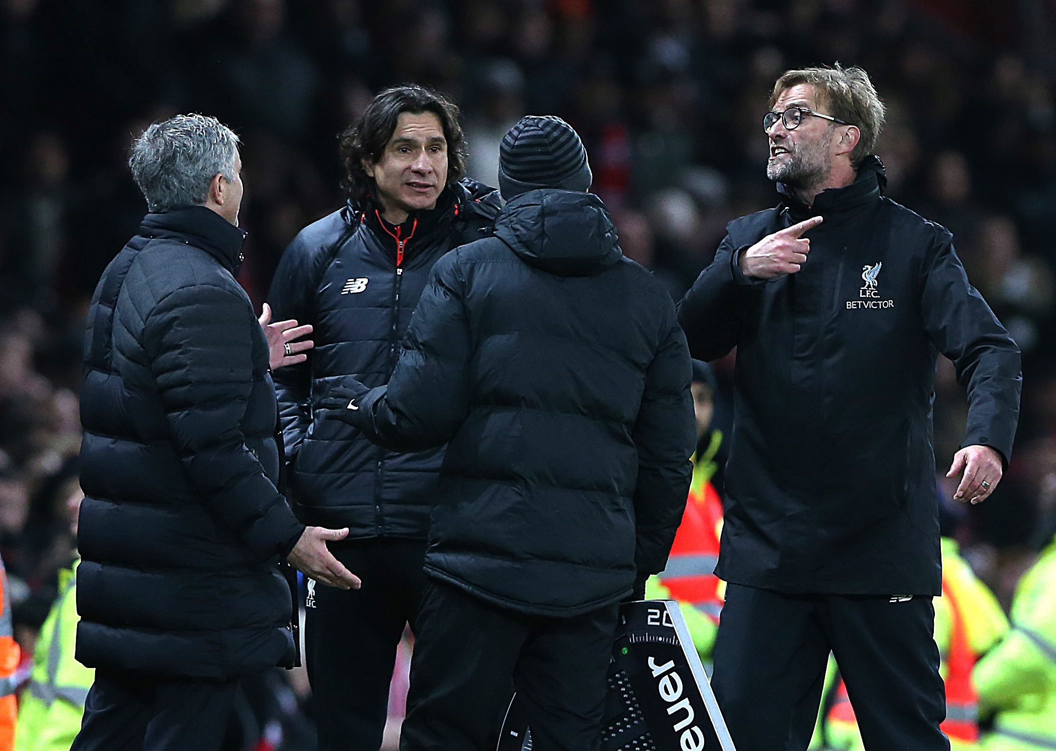 """Mourinho critica Liverpool, Klopp deixa-o sem resposta: """"Estou a par das críticas mas desligamos"""""""