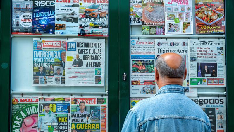 Hoje nos jornais: Bancos vão suspender por seis meses crédito do carro; portugueses preferem Beja ao Montijo