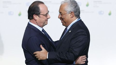 Costa encontra-se com Hollande para definir posição pós-Brexit