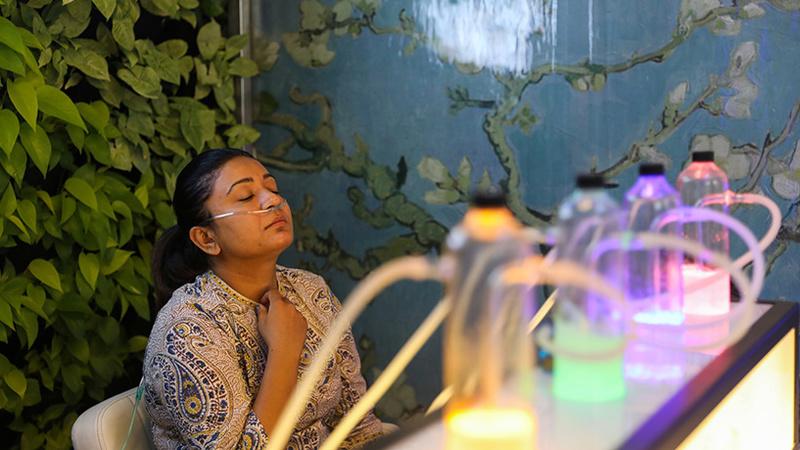 Índia: Bar vende 15 minutos de oxigénio por seis euros numa das cidades mais poluídas do mundo
