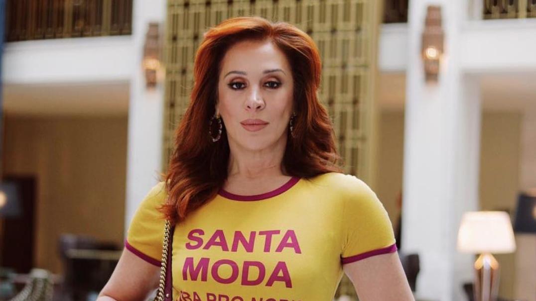 """""""De repente olhei, tinha 52 anos e ninguém me avisou"""": à conversa com Cláudia Raia, a musa das novelas brasileiras"""