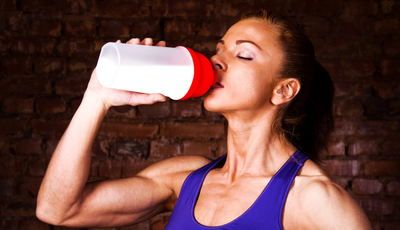 Os suplementos de soro de leite são (mesmo) um bom aliado da prática desportiva?