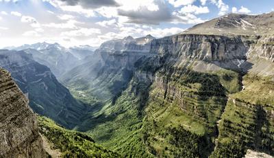 Montanhas há muitas mas estas são algumas das mais impressionantes do mundo