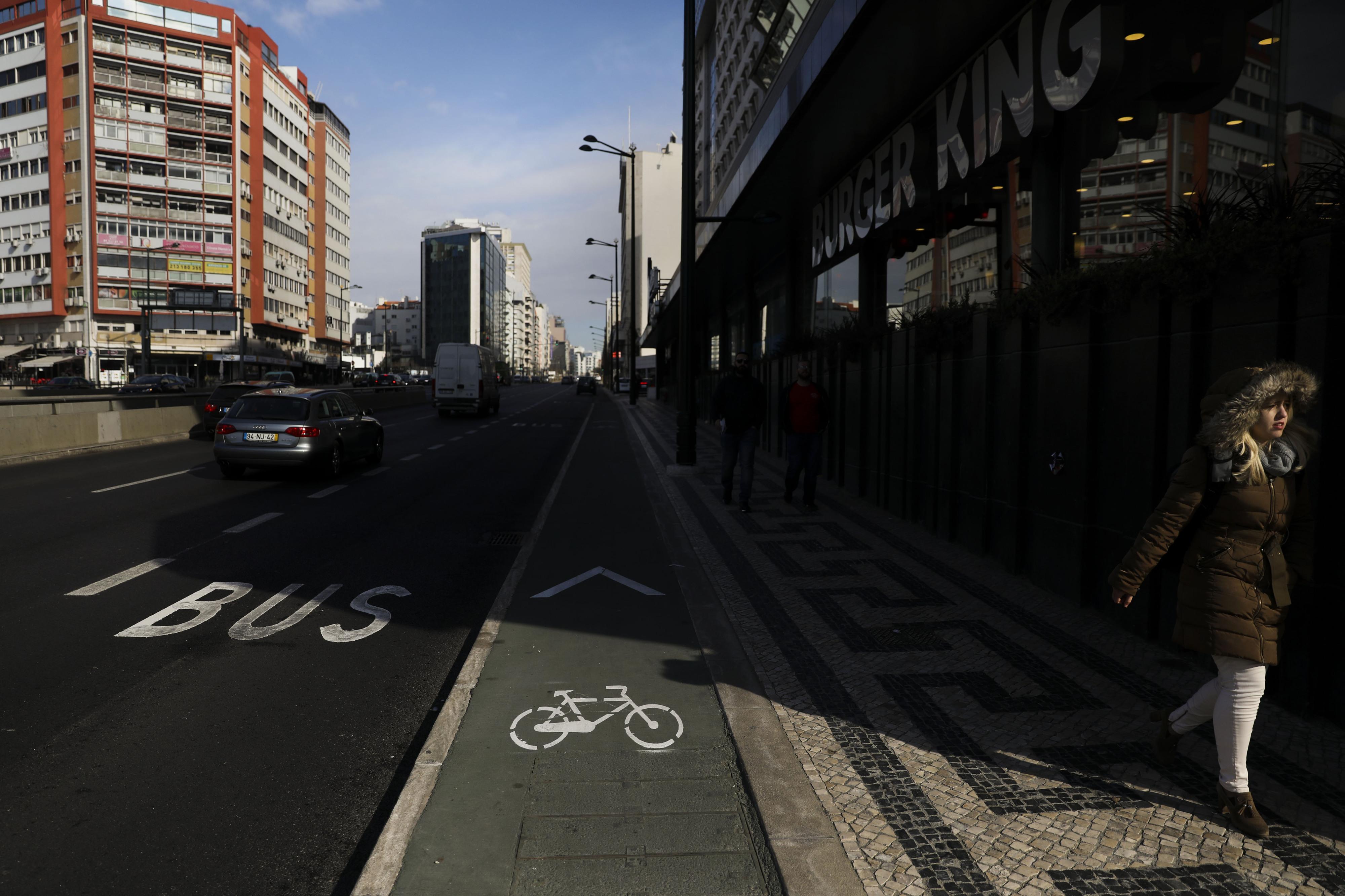 Novas ciclovias e uma grande avenida requalificada. Câmara de Lisboa aprova plano no valor de 27,4 milhões de euros