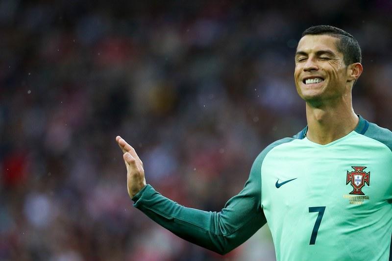 Clube irlandês tenta aliciar Ronaldo com duas folgas por semana e um Toyota Yaris