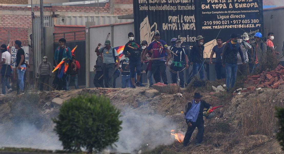 Violentas marchas exigem queda de governo de transição da Bolívia