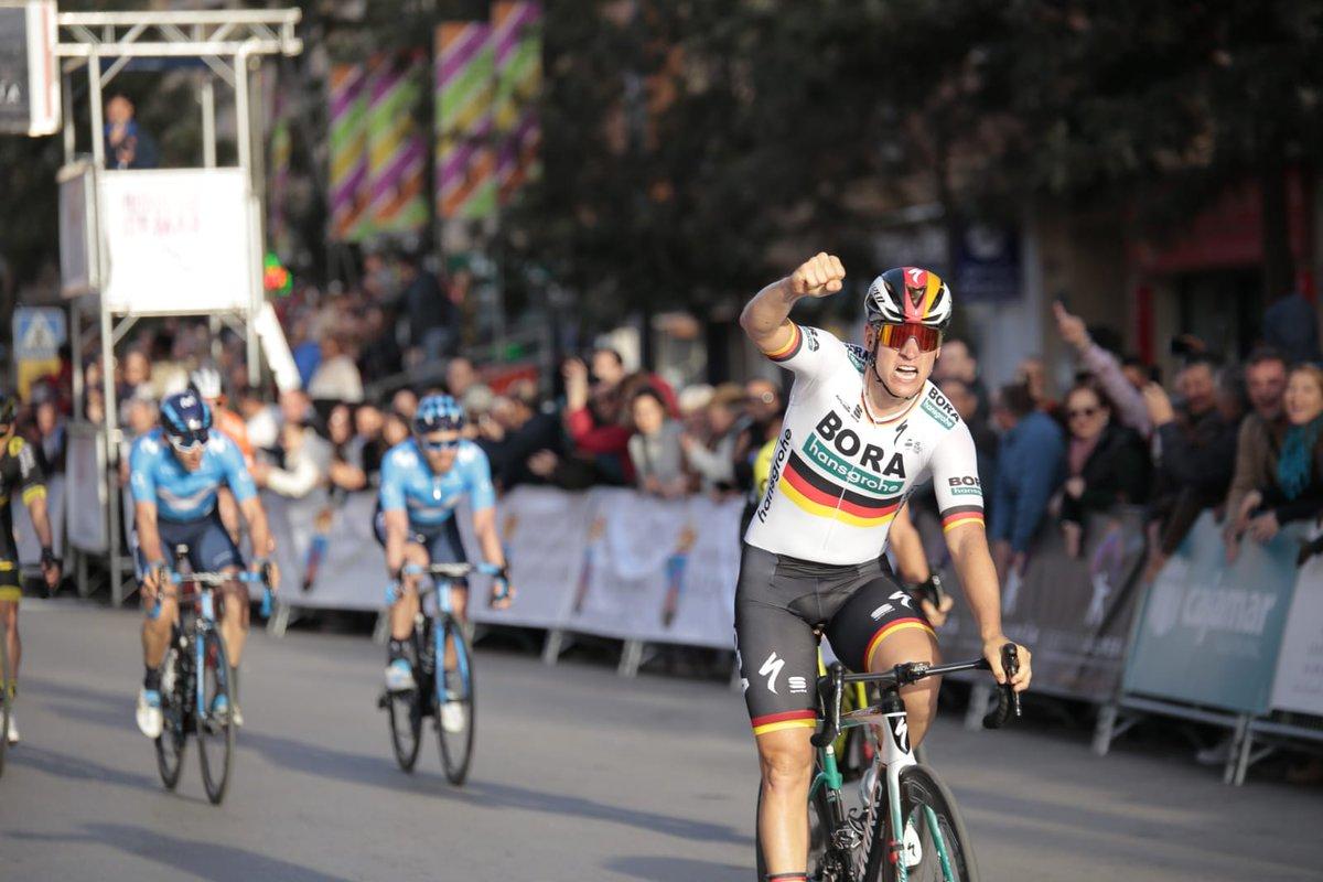 Pascal Ackermann vence Clássica de Almeria ao 'sprint', Nuno Bico abandona