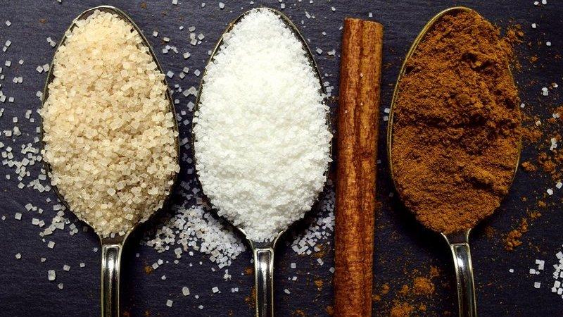 7 estratégias para evitar o açúcar escondido nos alimentos