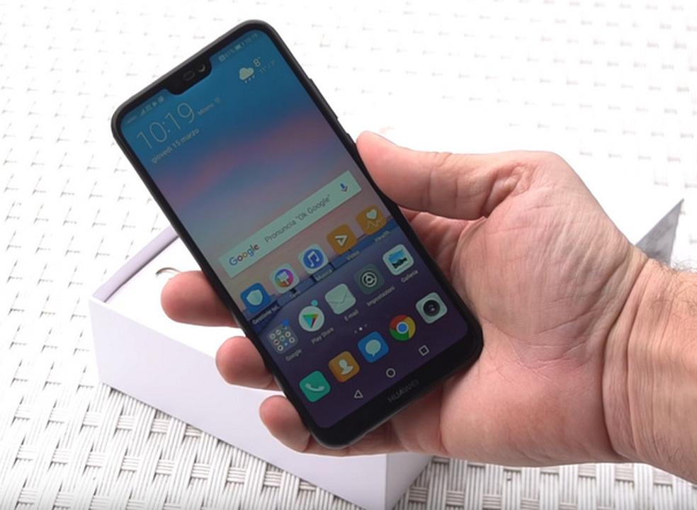 Huawei P20 lite sai da caixa e confirma notch e preço na Europa