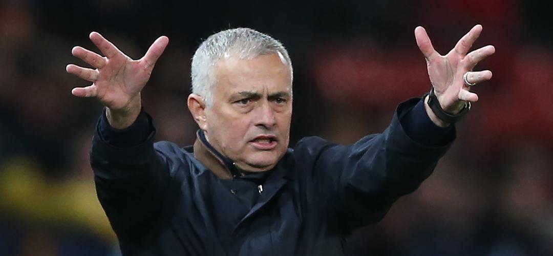 """Mourinho: """"Neste momento vejo-me mais numa seleção"""""""