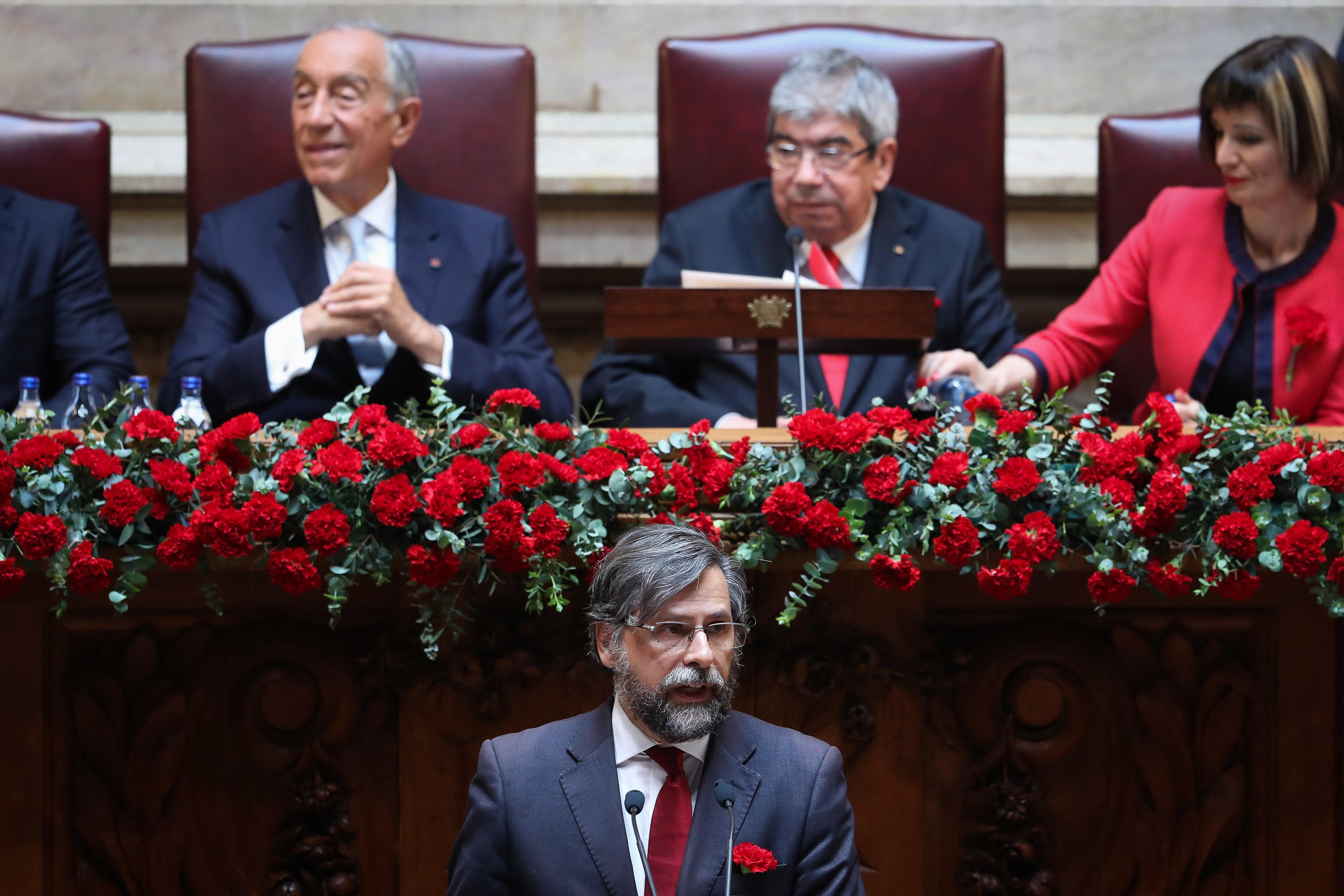 25 de Abril: PSD avisa que portugueses repudiarão clubismo partidário ou nepotismo