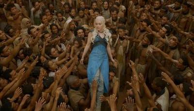 """Já foi gravada a última cena de Daenerys em """"A Guerra dos Tronos"""": """"Fiquei perturbada"""", diz atriz"""