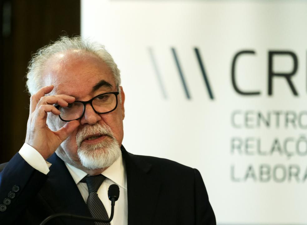 """Fiscalização às baixas por doença vai apertar: """"Governo não está satisfeito com os resultados obtidos nesse combate"""""""