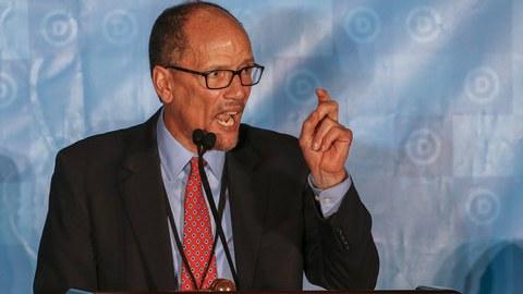 Tom Pérez é o novo líder do Partido Democrata