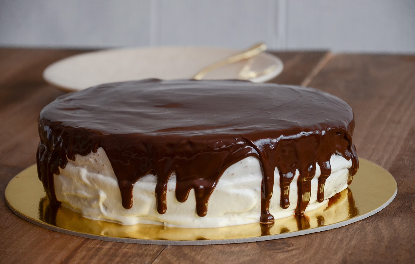 Image result for Bolo de Baunilha com chantilly e chocolate